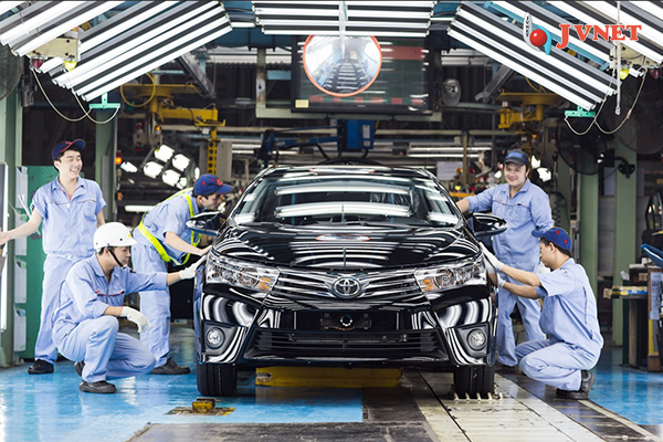 Lắp ráp ô tô tại Nhật Bản