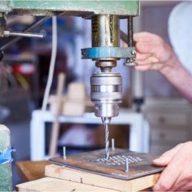 Chế tạo kim loại tấm